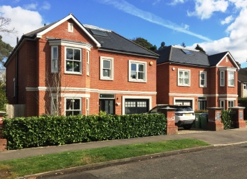 Woodland Grove, Weybridge - 2 x 2000 sq ft detached houses on single plot knock down. GDV £2.9m build £1.2m purchase £675k
